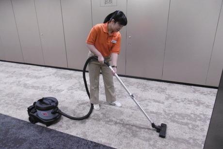 週5日、平日の朝に無理なく働けます。オフィスビルの清掃のお仕事です。