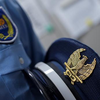 長期で働ける警備スタッフの募集!!「報告・連絡・相談」によって、仲間と連携して建物を守ります。